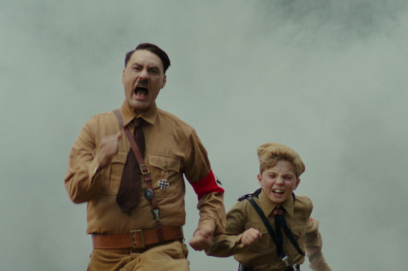<조조 래빗> 호기심을 불러일으키는 보도스틸 6종 전격 공개! 유쾌 발랄한 전쟁 영화의 진면목을 확인하라!